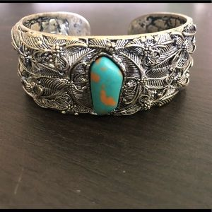 Jewelry - Silver bangle bracelet